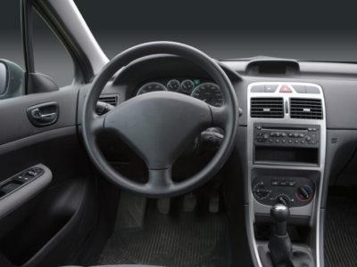 automobilindustrie-steifigkeit-granulat-kunststoff
